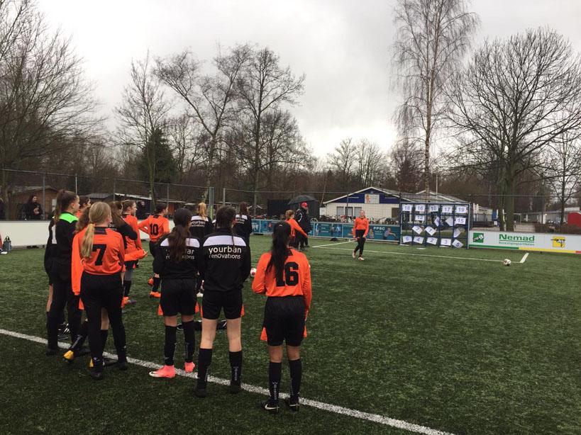 Meiden 15-2 & 15-3 met zwaar geschut naar Schiedam.