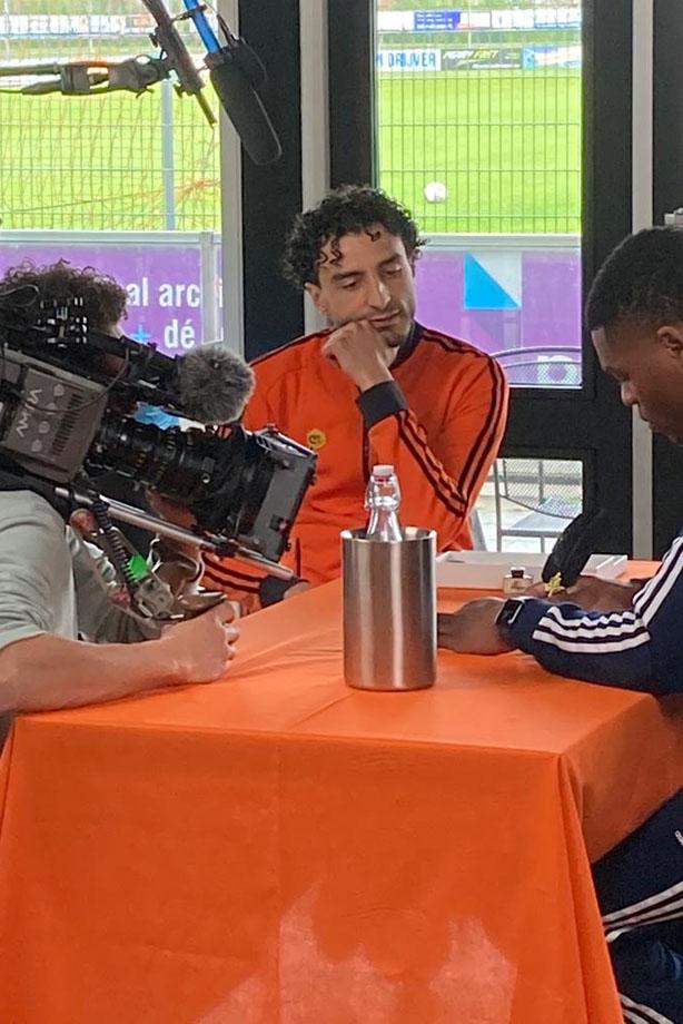 UPDATE Touzani TV met Denzel Dumfries