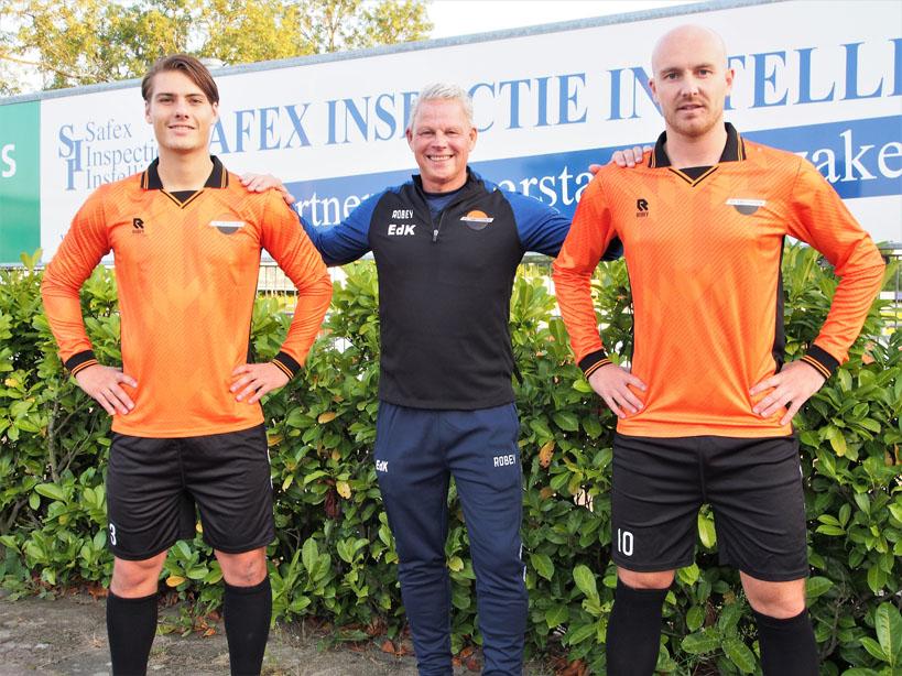 VV Smitshoek en Robey gaan nieuwe kleding-overeenkomst aan en de kleding is inmiddels beschikbaar.