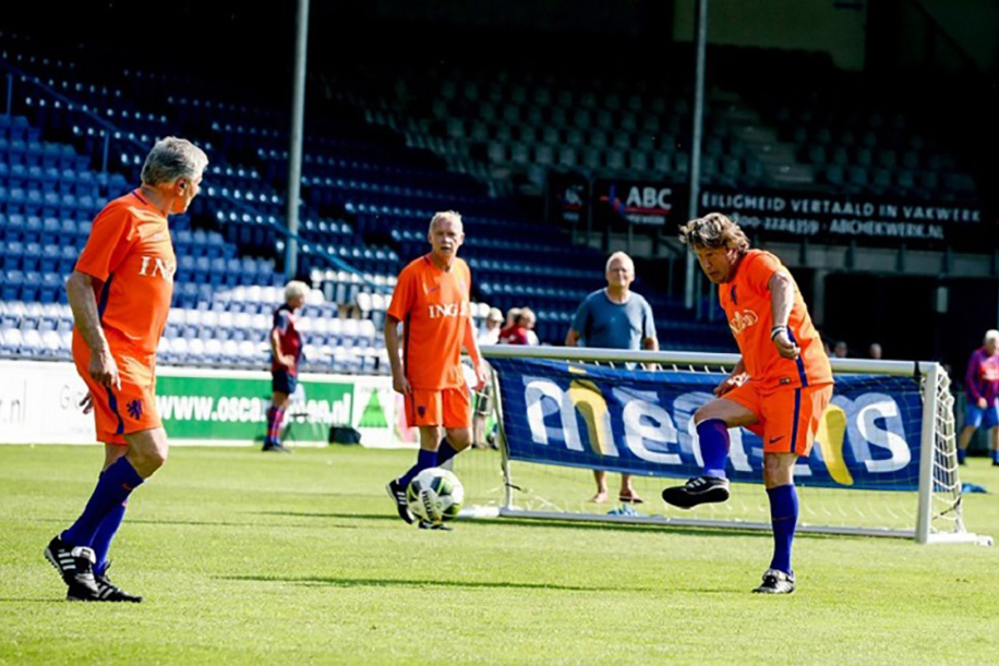 Start met walking football in ons jubileumseizoen