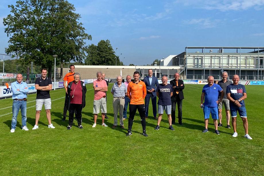 We gaan starten: Walking Football bij de VV Smitshoek